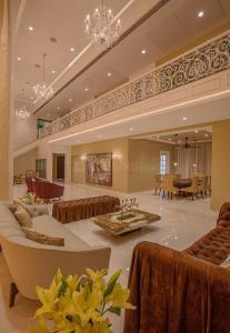 Gallery Cover Image of 7200 Sq.ft 4 BHK Apartment for buy in Amar Renaissance, Ghorpadi for 110000000