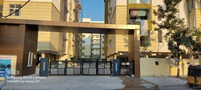 Gallery Cover Image of 1220 Sq.ft 2 BHK Apartment for buy in Srusti Symphony, Kondapur for 8296000