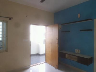Gallery Cover Image of 750 Sq.ft 2 BHK Apartment for rent in Panathur for 20000