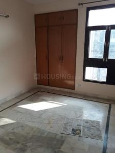 Gallery Cover Image of 1750 Sq.ft 3 BHK Apartment for rent in Sector 5 Dwarka for 30000