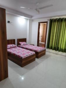 Bedroom Image of Hunny Girls PG in Sector 48