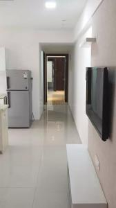 Gallery Cover Image of 1428 Sq.ft 3 BHK Apartment for buy in Padmavati Towers, Santacruz East for 23800000