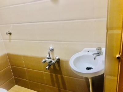 होरामवु में सूरज निवास में कॉमन बाथरूम की तस्वीर