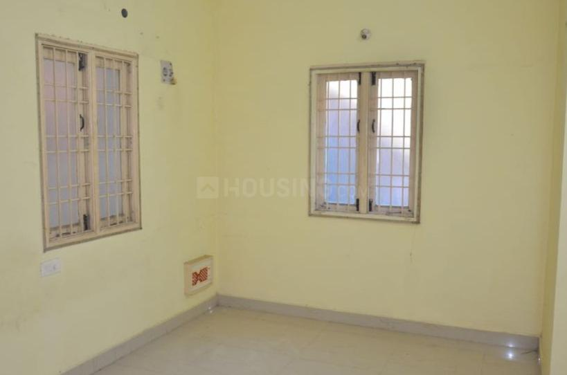 Bedroom Image of 1100 Sq.ft 2 BHK Independent House for buy in Urapakkam for 4600000