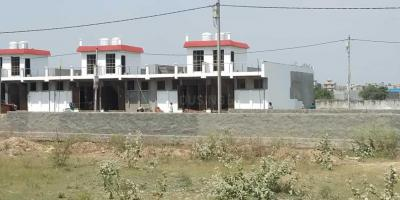 Gallery Cover Image of 650 Sq.ft 1 BHK Independent House for buy in Noida Extension for 2150000