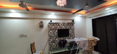 Gallery Cover Image of 1000 Sq.ft 2 BHK Apartment for rent in Thakur Resort View Apartment, Kandivali East for 36000