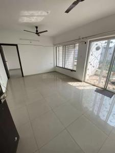 Gallery Cover Image of 1050 Sq.ft 2 BHK Apartment for rent in Kolte Patil Beryl, Kharadi for 20000