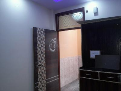 Gallery Cover Image of 360 Sq.ft 1 BHK Apartment for rent in Mandawali for 7500