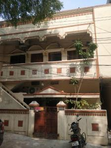 Gallery Cover Image of 800 Sq.ft 2 BHK Independent Floor for rent in Padmarao Nagar for 10000