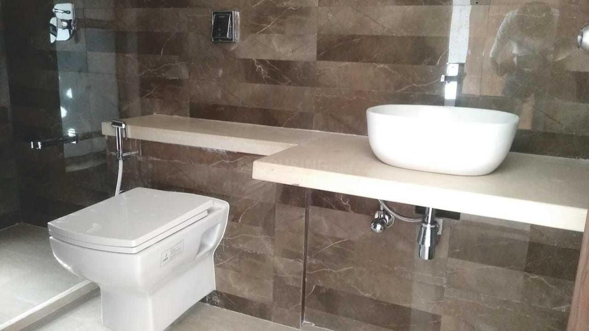 Common Bathroom Image of 2640 Sq.ft 4 BHK Apartment for rent in Chembur for 95000