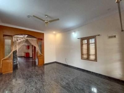 Gallery Cover Image of 2000 Sq.ft 3 BHK Independent Floor for rent in Indira Nagar for 45000