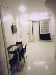 Gallery Cover Image of 800 Sq.ft 2 BHK Apartment for rent in Malabar Hill for 88000