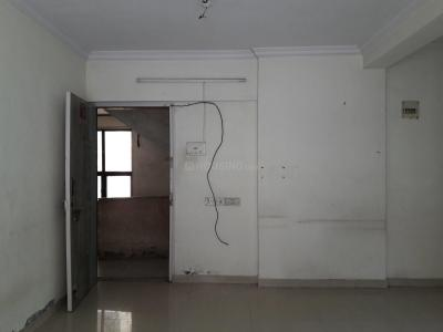 Gallery Cover Image of 680 Sq.ft 2 BHK Apartment for rent in Kandivali East for 32000