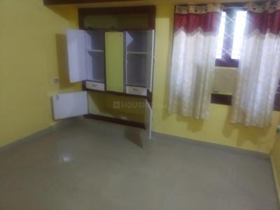 Gallery Cover Image of 1100 Sq.ft 3 BHK Independent Floor for rent in Kottivakkam for 30000