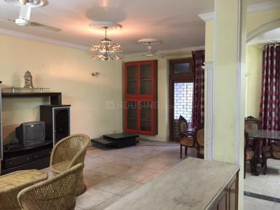 Gallery Cover Image of 1800 Sq.ft 3 BHK Apartment for rent in Lajpat Nagar for 46500