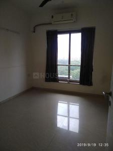 Gallery Cover Image of 1250 Sq.ft 3 BHK Apartment for rent in Kalpataru Towers, Kandivali East for 48000