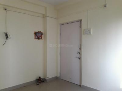 Gallery Cover Image of 410 Sq.ft 1 BHK Apartment for rent in Kandivali West for 15000