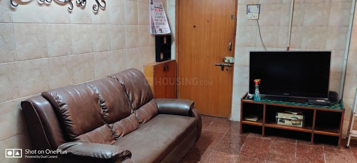 Living Room Image of 1000 Sq.ft 2 BHK Apartment for rent in Sion for 42000