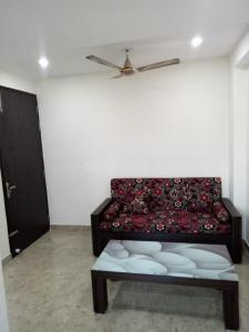 Gallery Cover Image of 1850 Sq.ft 4 BHK Independent Floor for rent in DLF Phase 4, DLF Phase 4 for 45000