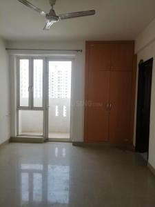 Gallery Cover Image of 1040 Sq.ft 2 BHK Apartment for rent in Logix Blossom Greens, Sector 143 for 9000