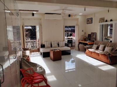 Gallery Cover Image of 1800 Sq.ft 3 BHK Apartment for buy in Fort for 29500000
