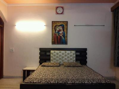 Gallery Cover Image of 1500 Sq.ft 3 BHK Apartment for rent in Lajpat Nagar for 45000