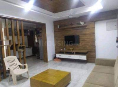Gallery Cover Image of 750 Sq.ft 2 BHK Apartment for rent in Orient Regency, Chembur for 48000