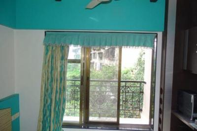 Gallery Cover Image of 1100 Sq.ft 2 BHK Apartment for rent in Juhu for 89000