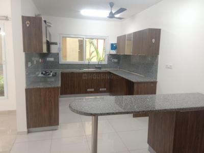 Gallery Cover Image of 2600 Sq.ft 4 BHK Apartment for rent in Karapakkam for 45000