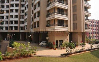 Gallery Cover Image of 500 Sq.ft 1 BHK Apartment for rent in Satellite Royale, Goregaon East for 32000