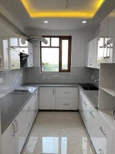 Gallery Cover Image of 3200 Sq.ft 5 BHK Apartment for rent in Sector 18 Dwarka for 55000