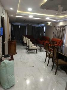 Gallery Cover Image of 2200 Sq.ft 3 BHK Apartment for rent in Ballygunge for 100000