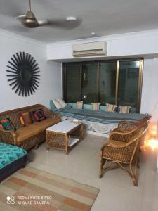 Gallery Cover Image of 1050 Sq.ft 2 BHK Apartment for rent in Sai Simran, Govandi for 45000