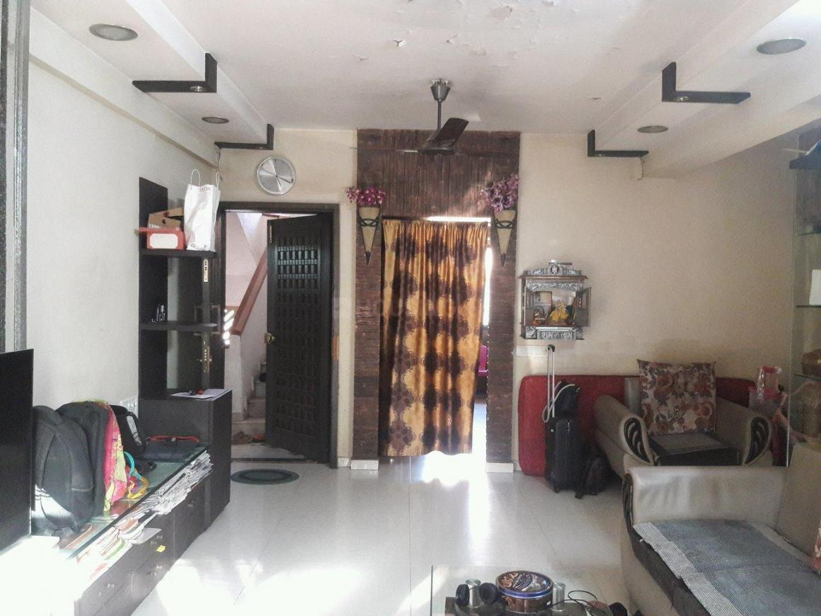 Living Room Image of 850 Sq.ft 2 BHK Apartment for rent in Vile Parle East for 65000
