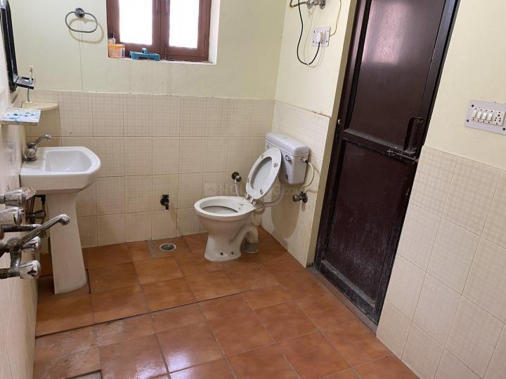 Common Bathroom Image of Mamta Girls PG in Sector 19