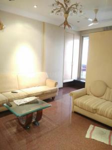 Gallery Cover Image of 1500 Sq.ft 2 BHK Apartment for rent in Cumballa Hill for 175000