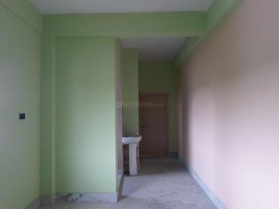 Gallery Cover Image of 900 Sq.ft 2 BHK Apartment for rent in Dum Dum for 8000