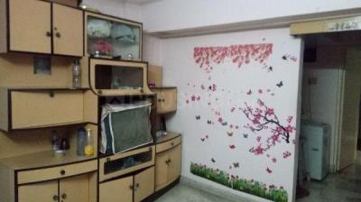 Gallery Cover Image of 610 Sq.ft 1 BHK Apartment for rent in 14, Thane West for 22000