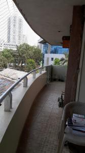 Gallery Cover Image of 1350 Sq.ft 2 BHK Apartment for rent in Lokhandwala Lokhandwala Harmony, Worli for 75000