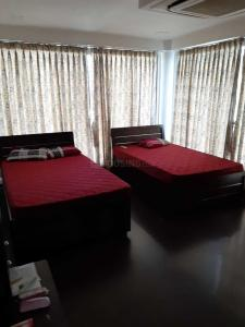 Gallery Cover Image of 2000 Sq.ft 4 BHK Apartment for rent in Satellite for 150000