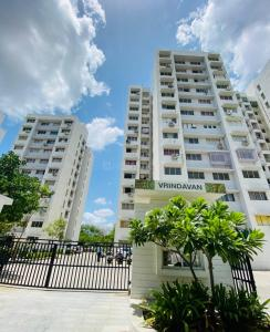 Gallery Cover Image of 675 Sq.ft 1 BHK Apartment for rent in Godrej Vrindavan, Chandkheda for 8000