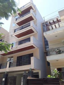 Gallery Cover Image of 350 Sq.ft 1 BHK Apartment for rent in Sector 52 for 17000