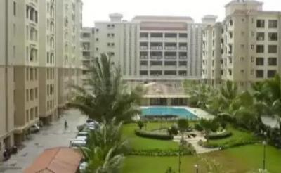 Gallery Cover Image of 1000 Sq.ft 2 BHK Apartment for buy in Palm Court, Malad West for 18000000