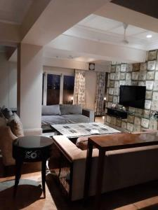 Gallery Cover Image of 5832 Sq.ft 5 BHK Apartment for buy in Ghose Bagan for 70000000