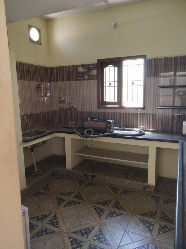 Kitchen Image of 1000 Sq.ft 1 BHK Apartment for rent in Madhavaram for 12000