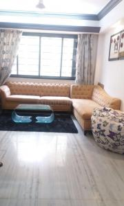 Gallery Cover Image of 900 Sq.ft 2 BHK Apartment for rent in Vile Parle West for 75000