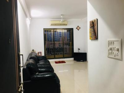 Gallery Cover Image of 950 Sq.ft 2 BHK Apartment for rent in Cosmos Cosmos Jewels, Thane West for 25000