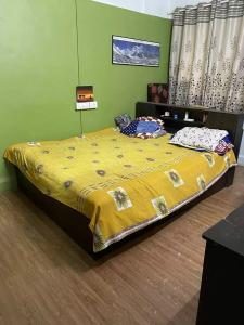 Gallery Cover Image of 2500 Sq.ft 3 BHK Villa for buy in Divine Bungalow, Borivali West for 59000000