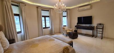 Gallery Cover Image of 3000 Sq.ft 3 BHK Apartment for buy in Heliopolis Buildings, Colaba for 150000000