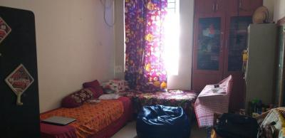 Gallery Cover Image of 1600 Sq.ft 3 BHK Apartment for rent in Ruby Grand, Selaiyur for 19000